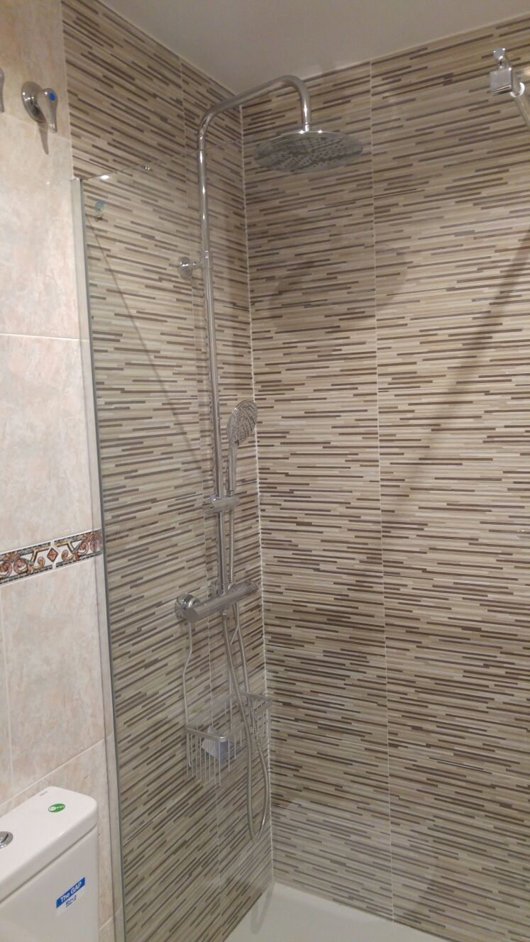 Cambio de bañera por ducha. Hasta dónde alicatar