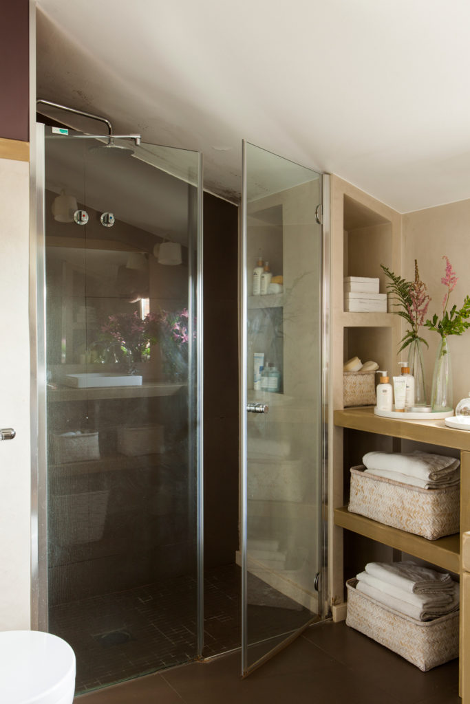 Mamparas de baño con almacenaje