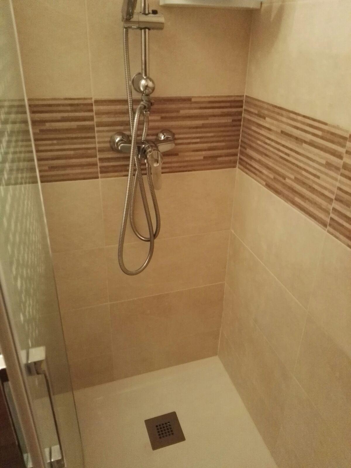 Cambiar bañera por plato de ducha en Leganés